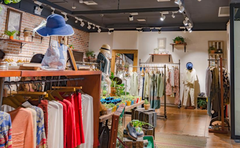 Elementos essenciais para uma loja de roupas e acessórios