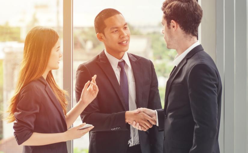 Tradução e outros serviços que pode precisar em um evento corporativo