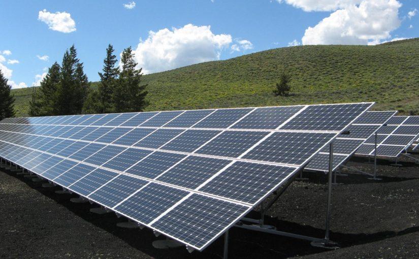 Como a energia solar nos permite poupar dinheiro?