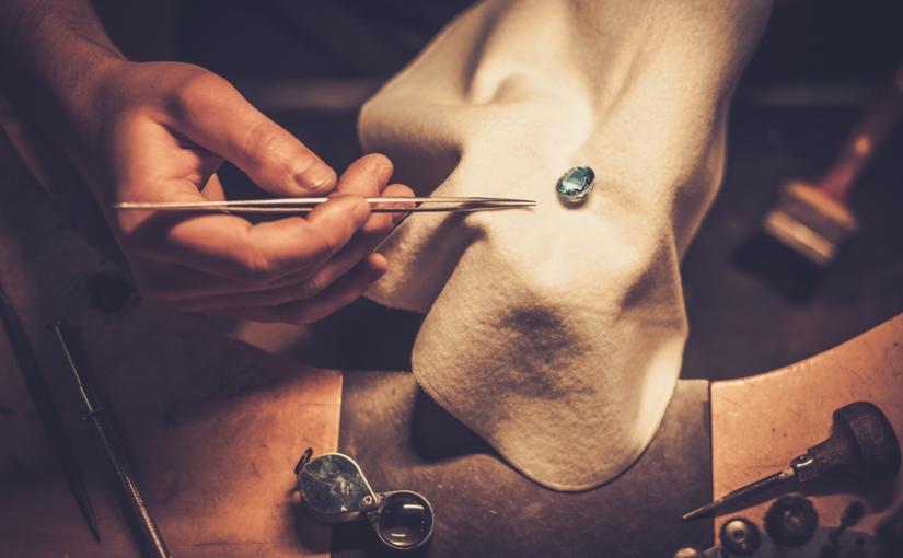 Processos de fabricação e regulamentação das joias