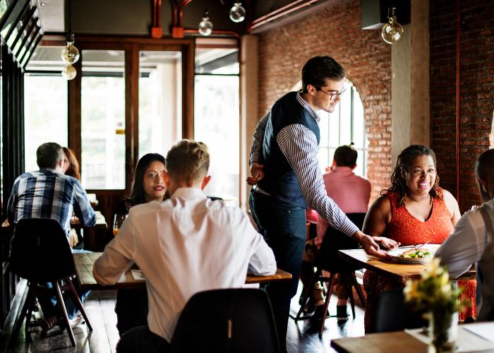 Como aumentar as vendas no seu restaurante: 5 dicas poderosas