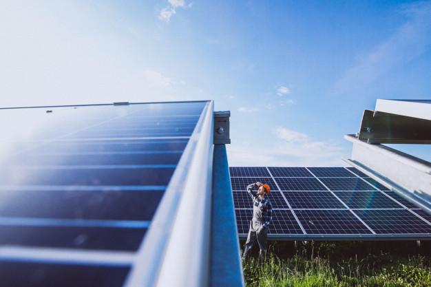 Por que um sistema de energia solar deve ser seu próximo investimento