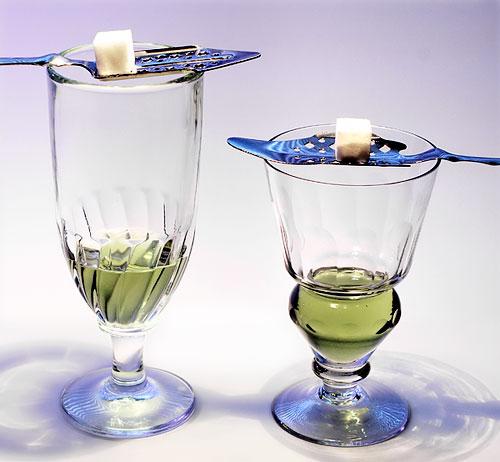 Conheça a história do absinto, bebida mais polêmica da história