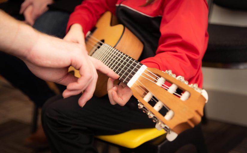 A importância das escolas de música para a educação