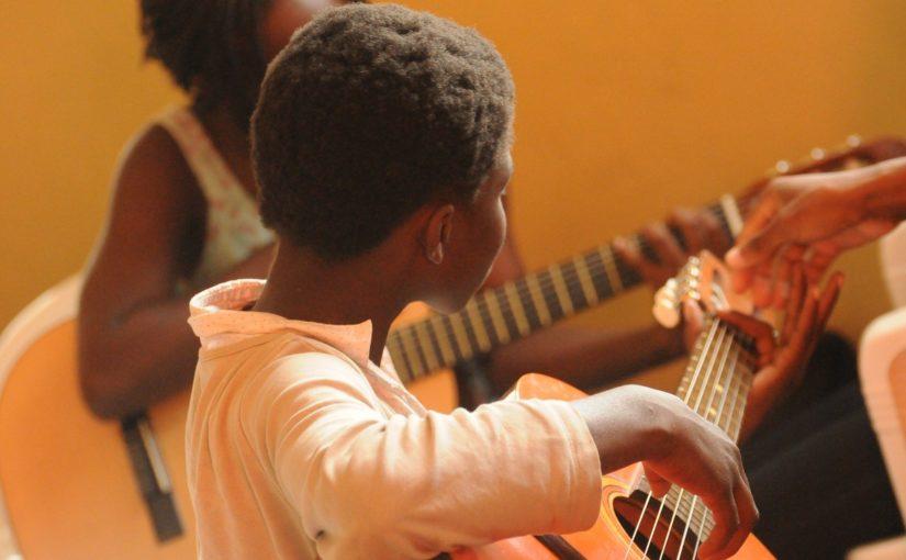 A relevância das escolas de música para a sociedade