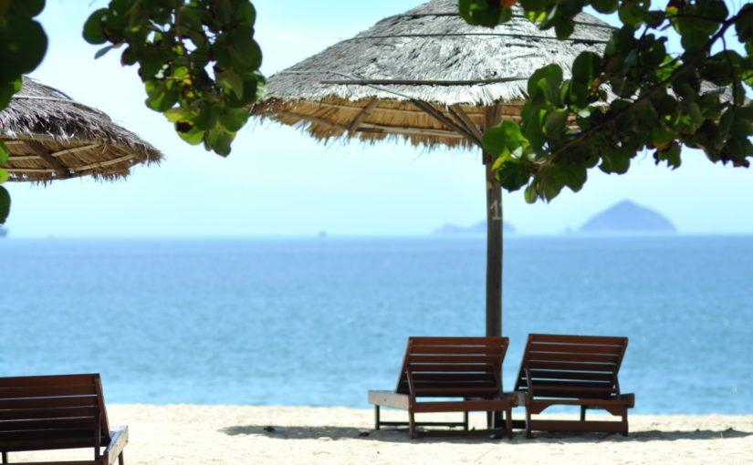 Planos de férias: 7 dicas para poupar e organizar as finanças antes do descanso