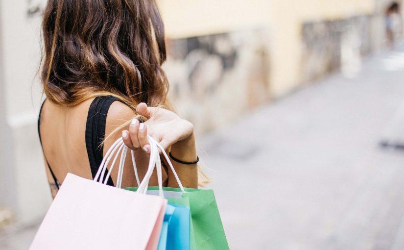 Dicas para vender muito: como criar promoções de roupas femininas
