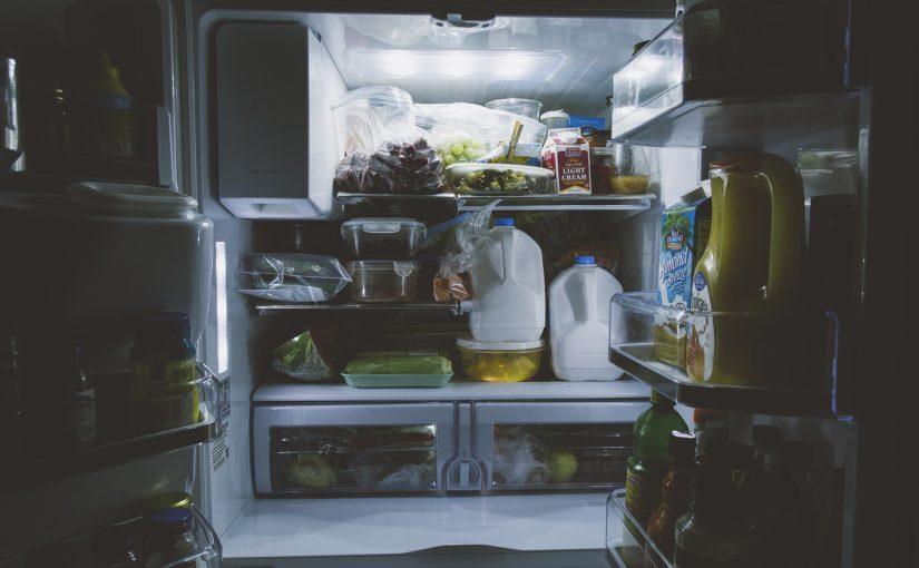 Refrigerador X geladeira: tem diferença? Entenda