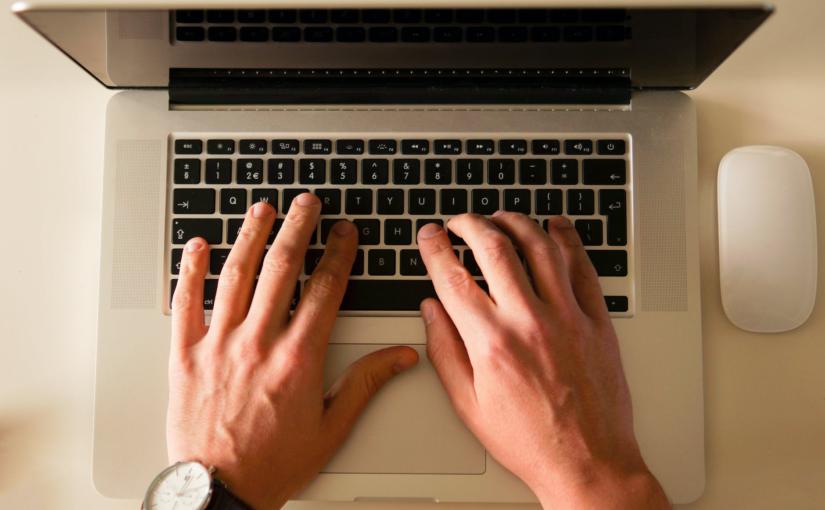 Qual é o melhor curso de digitação online grátis?