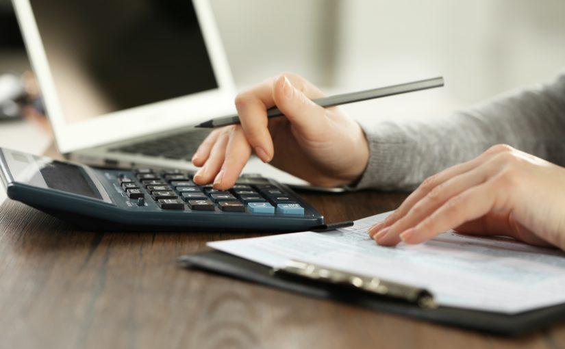 Confira dicas para não se atrapalhar com as contas do início do ano!