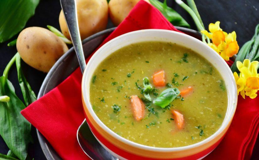 3 receitas de caldos deliciosos e quentinhos para o inverno