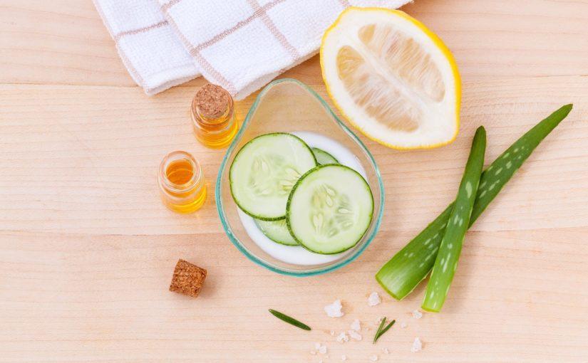 Qual a importância de limpar a pele diariamente?